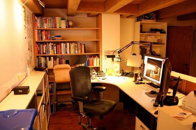 SOHO 自宅オフィス には高級オフィスチェアとマルチディスプレイで作業効率アップ!005