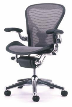 ハーマンミラー アーロンチェア (HermanMiller Aeron Chair)
